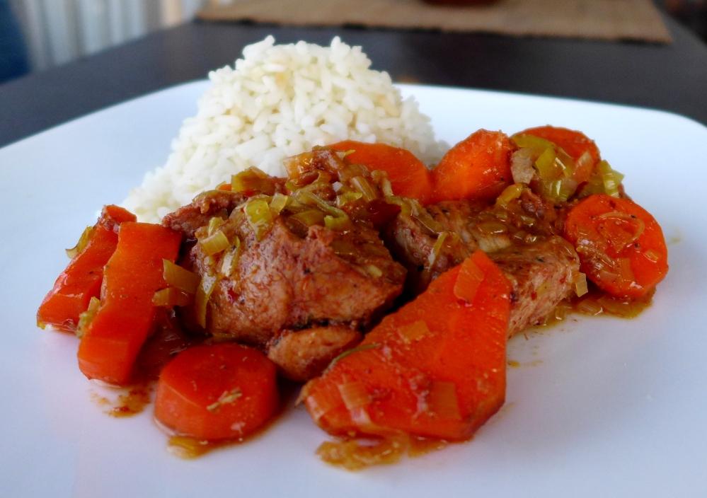 Receta de Guiso de Carne de Cerdo con Chancancaca o Panela de Caña, Puerros y Zanahoria
