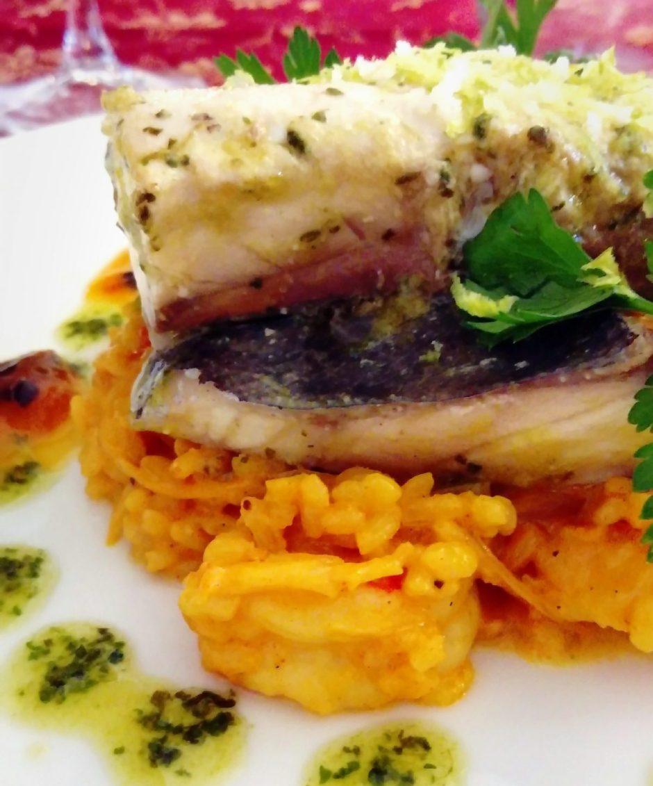 pescado con paella y maracuyá