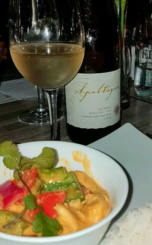 Riesling Apaltagua + curry amarilla